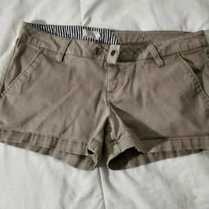 Volcom mid rise shorts